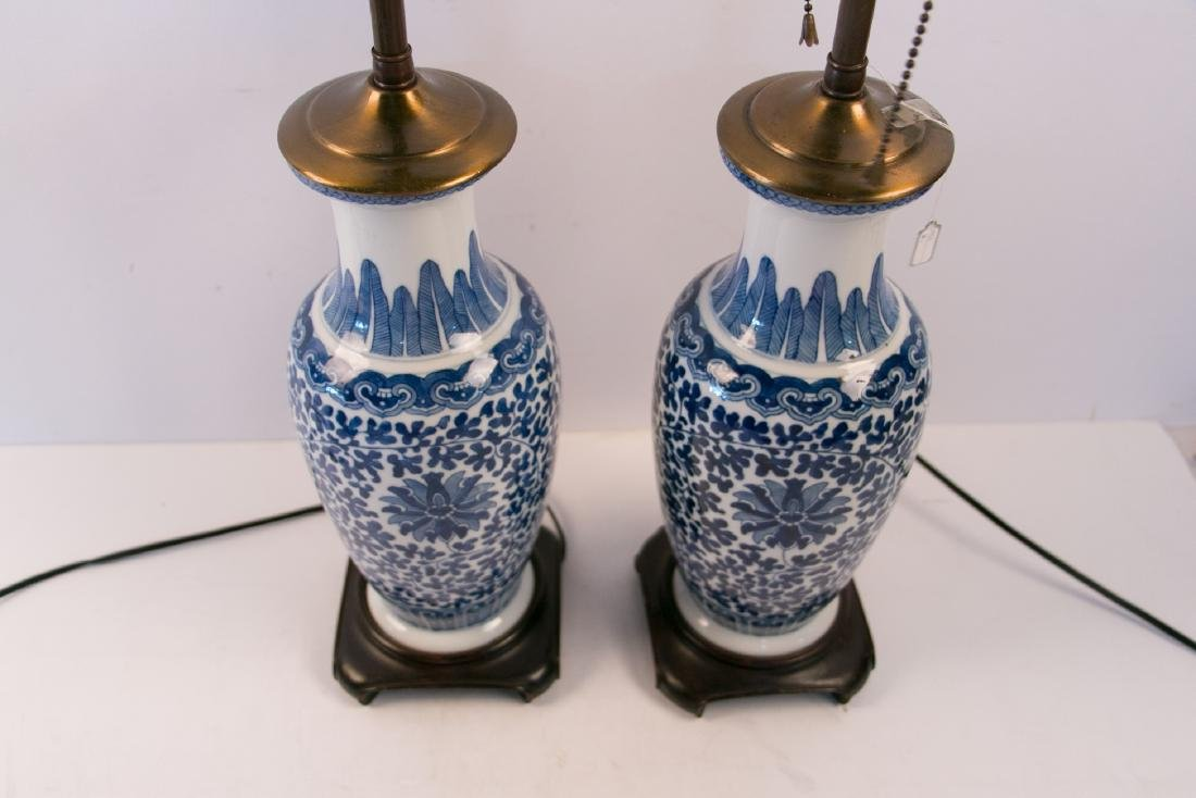 A pair of blue&white lamps - 6