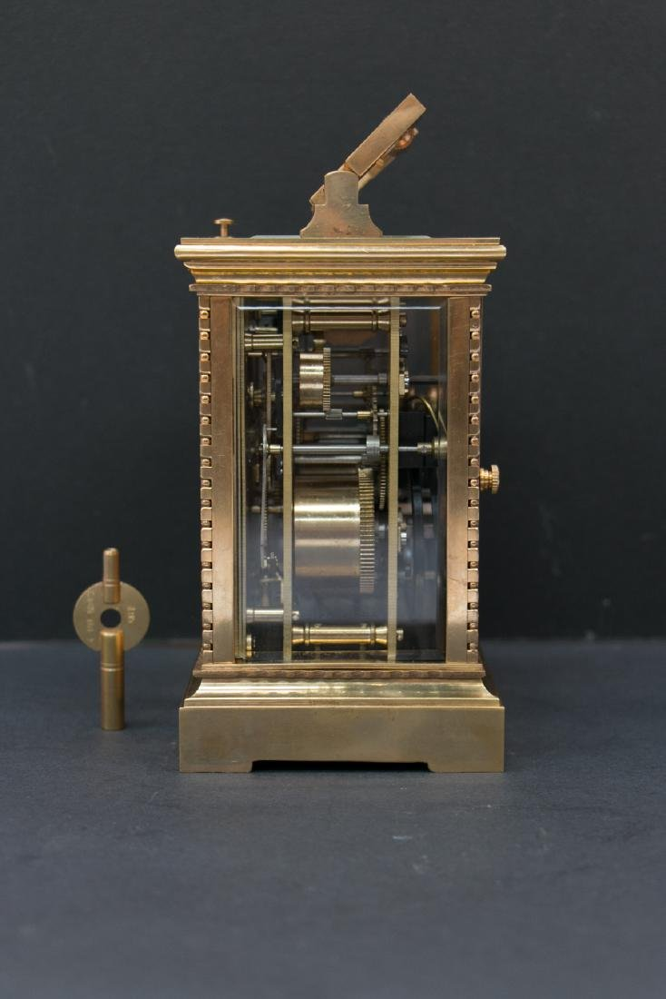 A gilding clock with alarm, track and answer time - 2