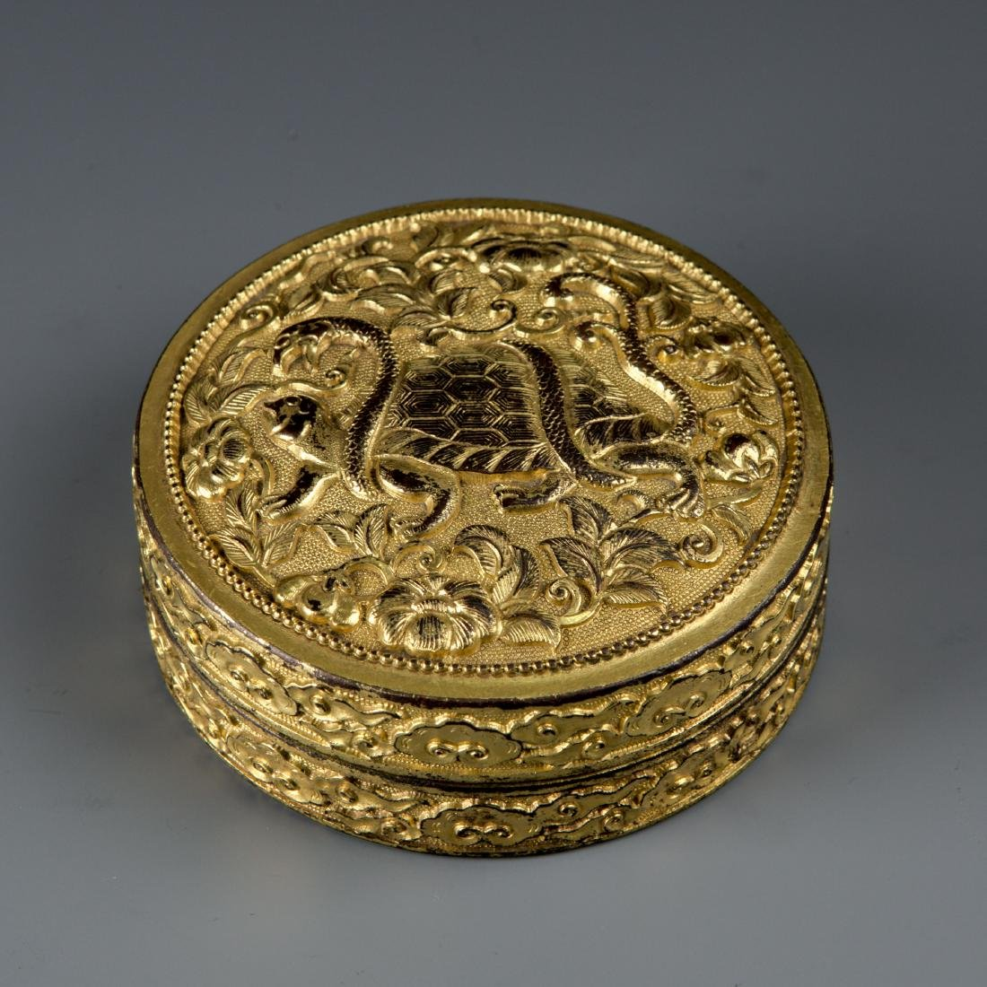 Round Gilt Bronze box with Turtle and Snake - 3