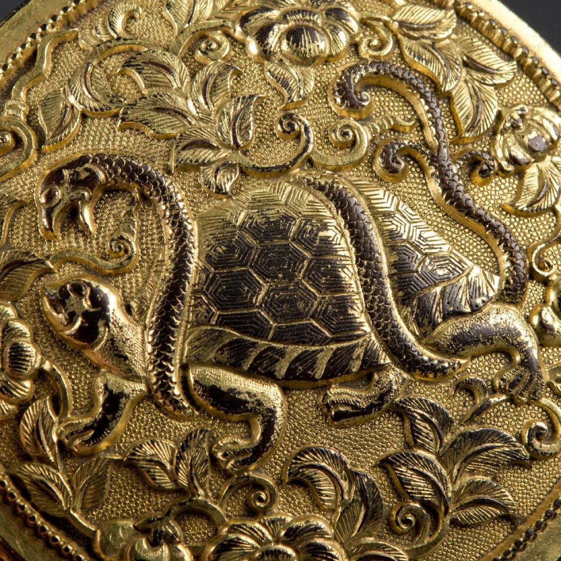 Round Gilt Bronze box with Turtle and Snake - 8