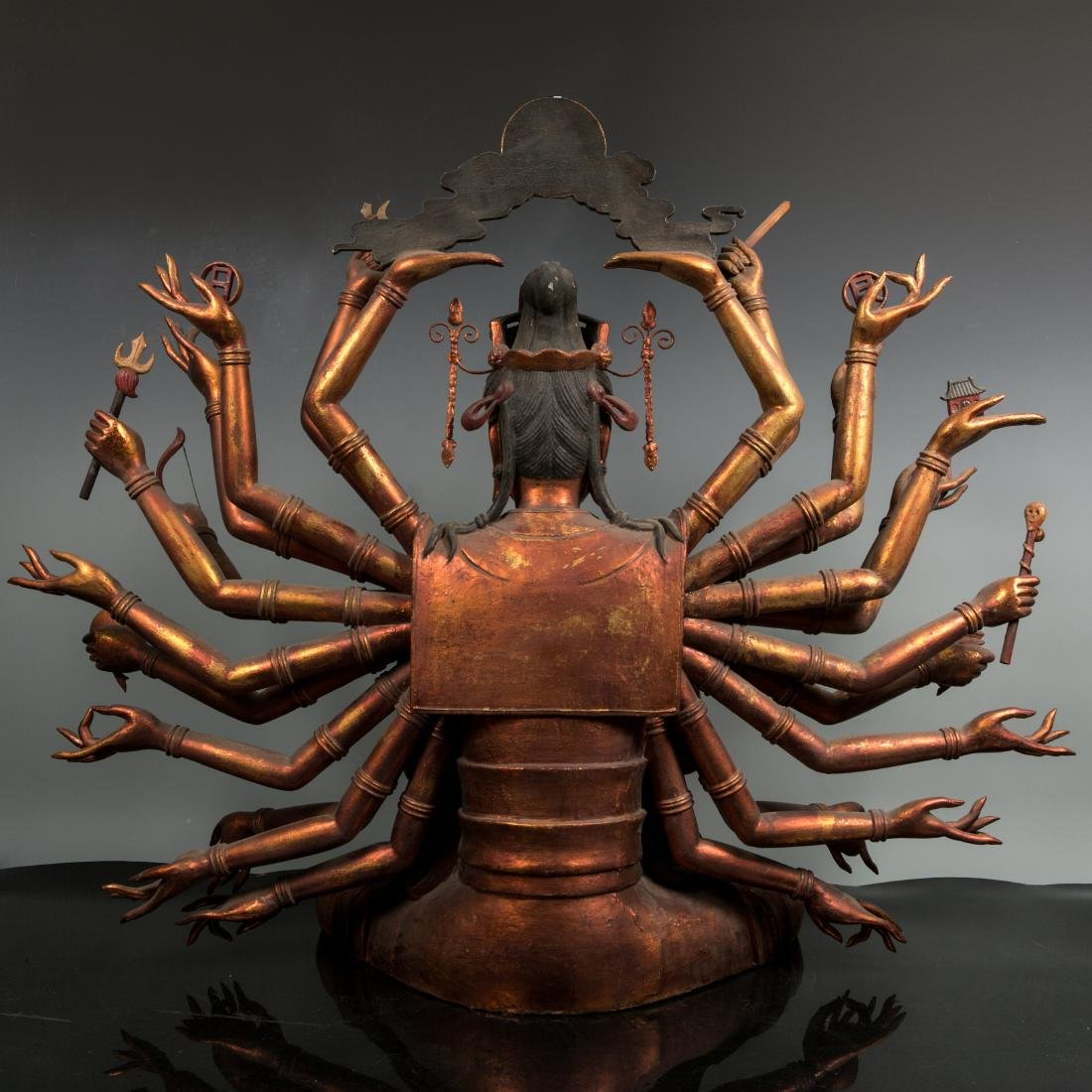 A Rare Large Gilt Lacquer Wood Figure of Avalokitesvara - 7
