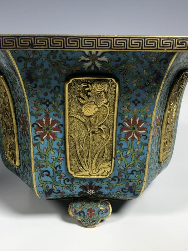 Pair of Chinese Qing Dynasty Cloisonné Planters - 6