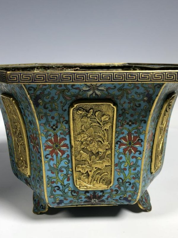 Pair of Chinese Qing Dynasty Cloisonné Planters - 7
