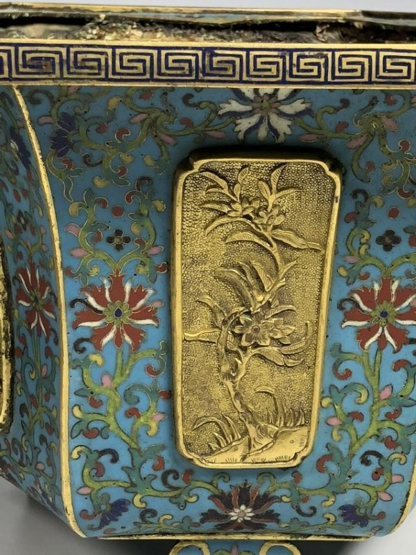 Pair of Chinese Qing Dynasty Cloisonné Planters - 9