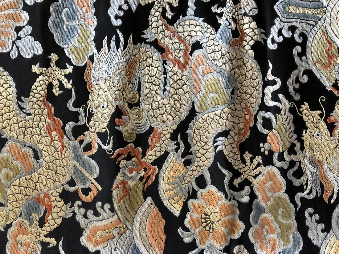 """Chinese Silk Embroidery """"Dragon"""" Banner - 4"""