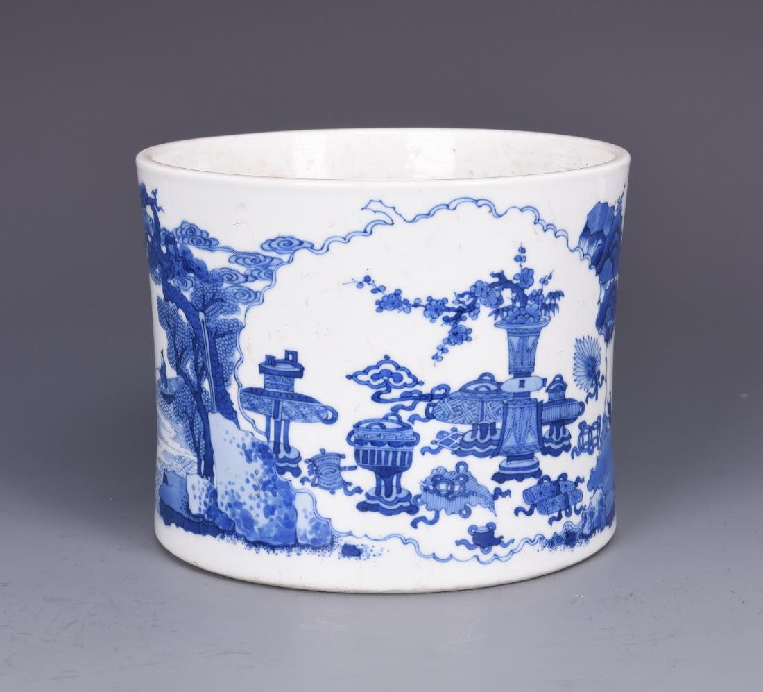 Blue and White Porcelain Brush pot with mark - 6