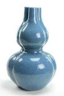 18/19TH C. BLUE CRACKLE GLAZED DOUBLE GOURD VASE