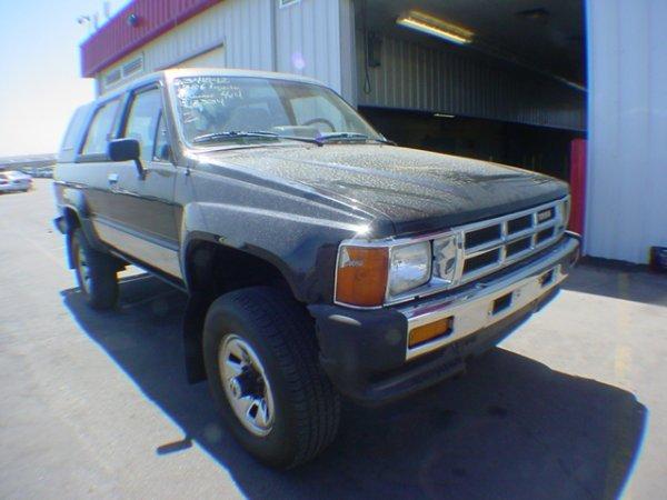 1002: 1986 Toyota Truck 4 Runner SR5  Black  Vin# JT2RN