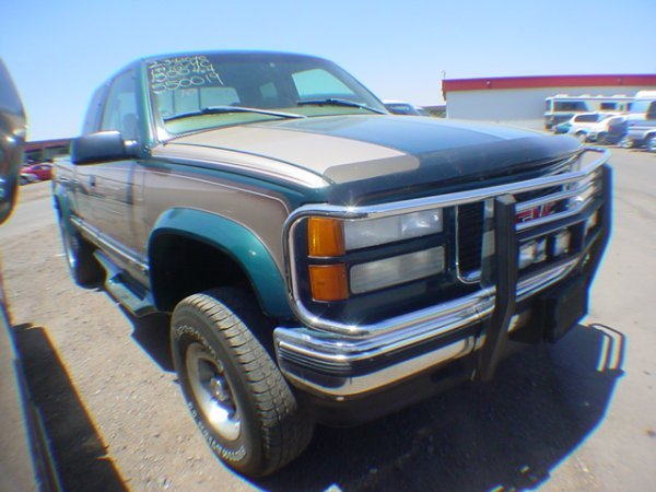 1010: 1997 GMC Pick up Green VE550019 Cond & Miles: not