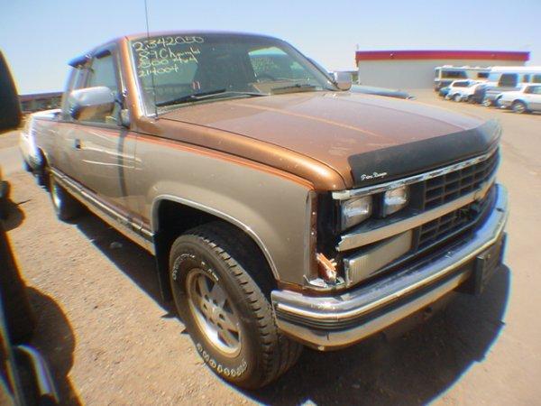 1011: 1989 Chev Pick up Brown K1214004