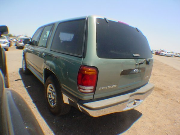 1013: 1998 Ford Explorer Green  WZA90513 - 3