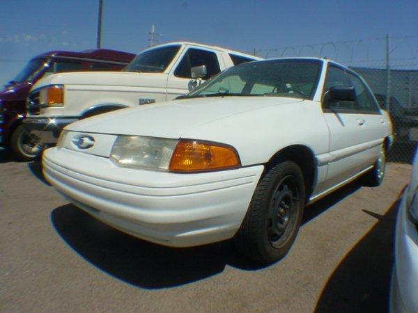 3004: 1995 Ford Escort miles 99482 Vin# 3FASP13J6SR1058