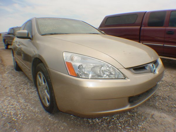 13: 2003 HONDA ACCORD