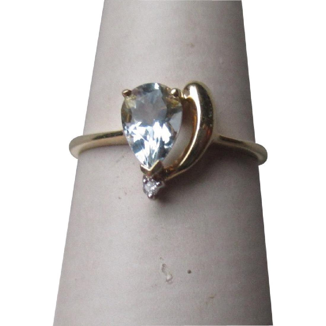 14k Gold and Pear Shape Aquamarine Ring