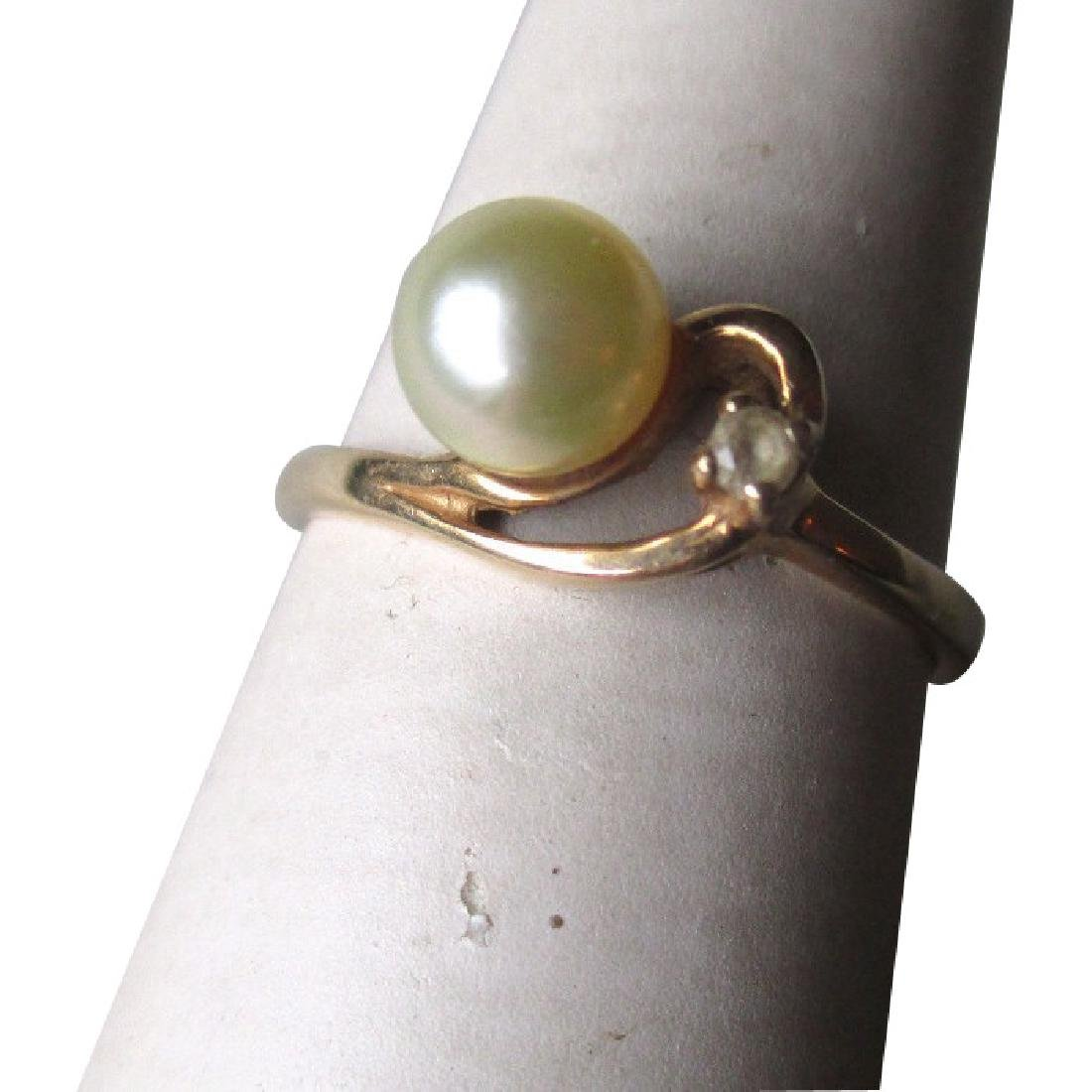 10k Gold and Pearl Ring