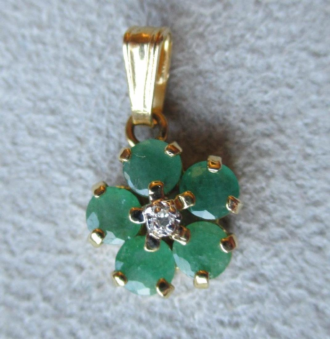Wonderful 14k Gold and Emerald Pendant