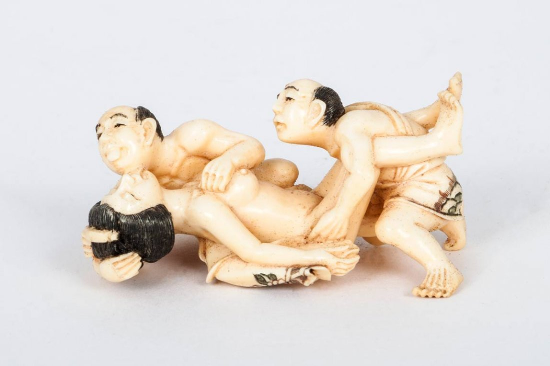 Carved Ivory Shunga Netsuke, Japan, 19th Century