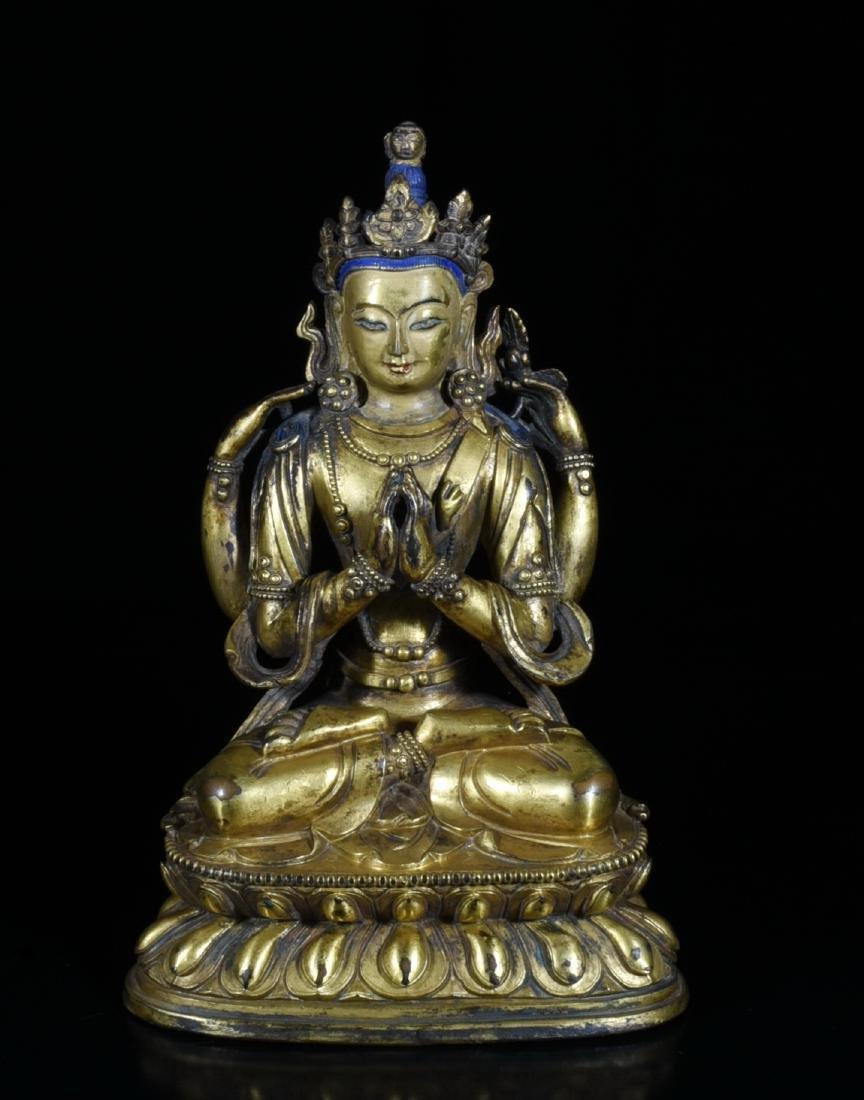 A Gilt Bronze Guanyin Sculpture