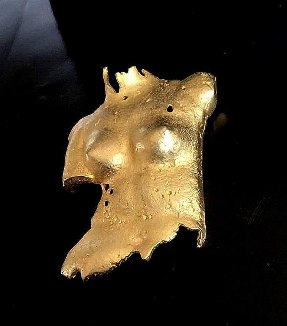 Unique Brooch -a nude Woman 's Torso - Venus signed