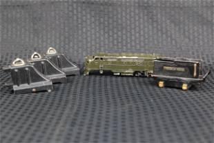 4 pieces vintage American Flyer metallic trains