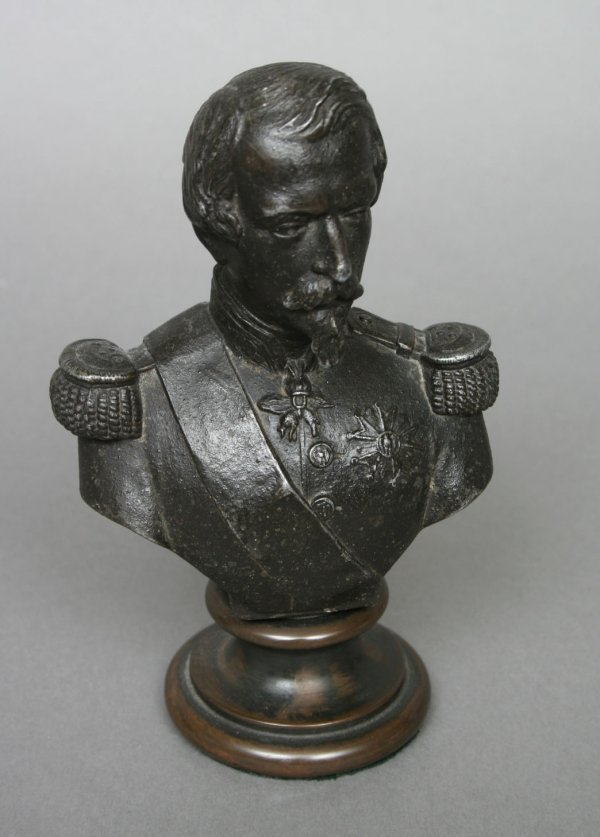 14: Bronzed Militaria Bust