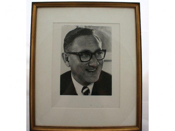 16: Henry Kissinger Political Autograph