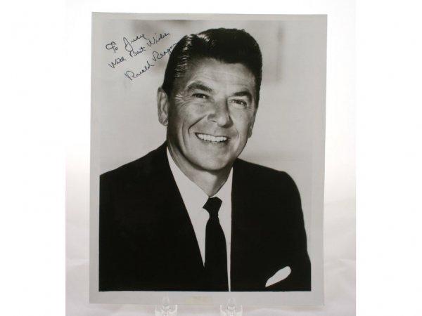 22: Ronald Reagan Autograph 1970s