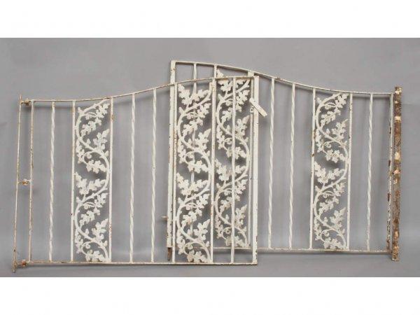 113: Vintage Cast Iron Garden Gate with Acorn Motif