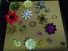 Vintage jewelry brooch pin lot Beau,sarah