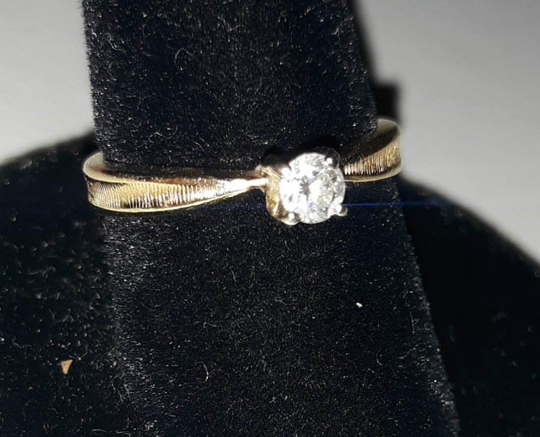 Diamond  Ring 1/4 carat 14k  GORGEOUS!