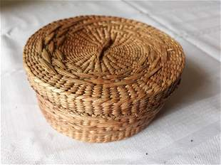 """hand made seagrass Basket 5 1/4"""" wide beautiful"""