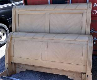 Broyhill signature Queen Sleigh Bed Beautiful!