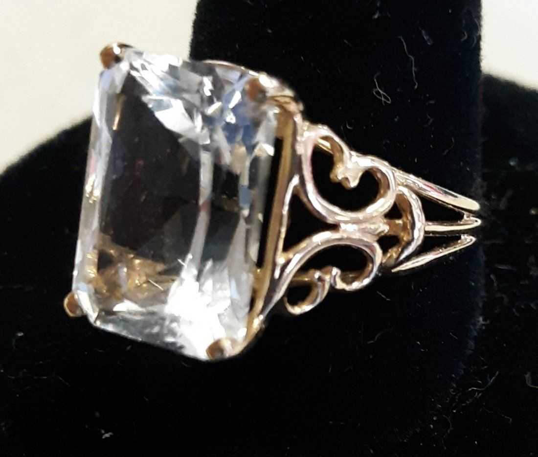 Ring 14K estate By JED white sapphire?