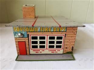 vintage tin litho wyandotte toy town fire dept garage