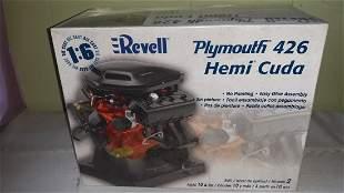 Plymouth 426 Hemi Cuda Model 1:6 die cast orig box