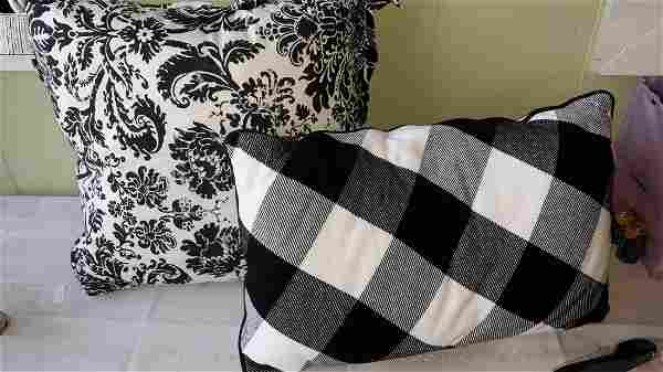 Southern Living Decorator Pillows New w/tags lot of 2