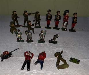 lead toy soldiers Britains lot of 17 w/moveable arms