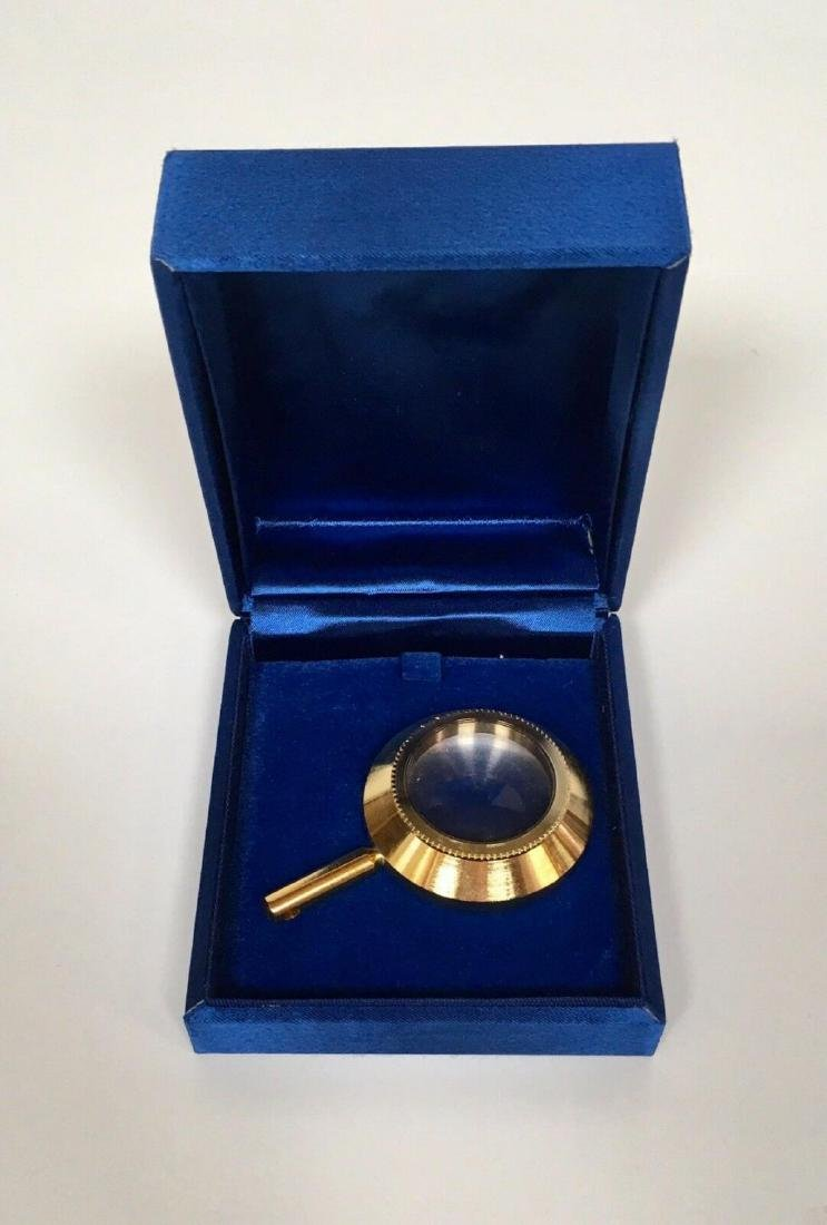 SALVADOR DALI GOLD LENS IN JEWELRY BOX USED FOR LINCOLN
