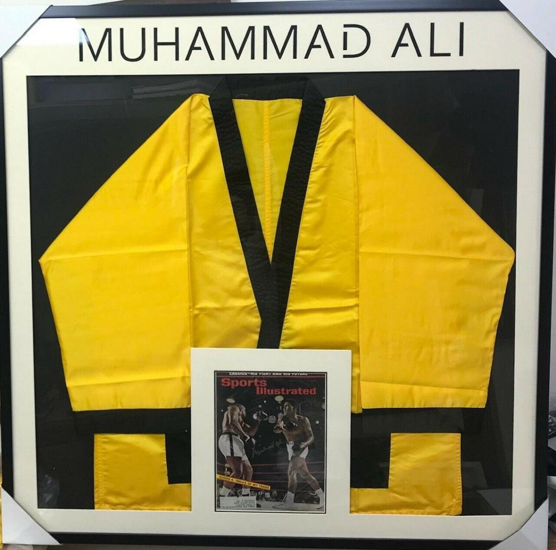 MUHAMMAD ALI BOXING ROBE & H/S SPORTS ILLUSTRATED
