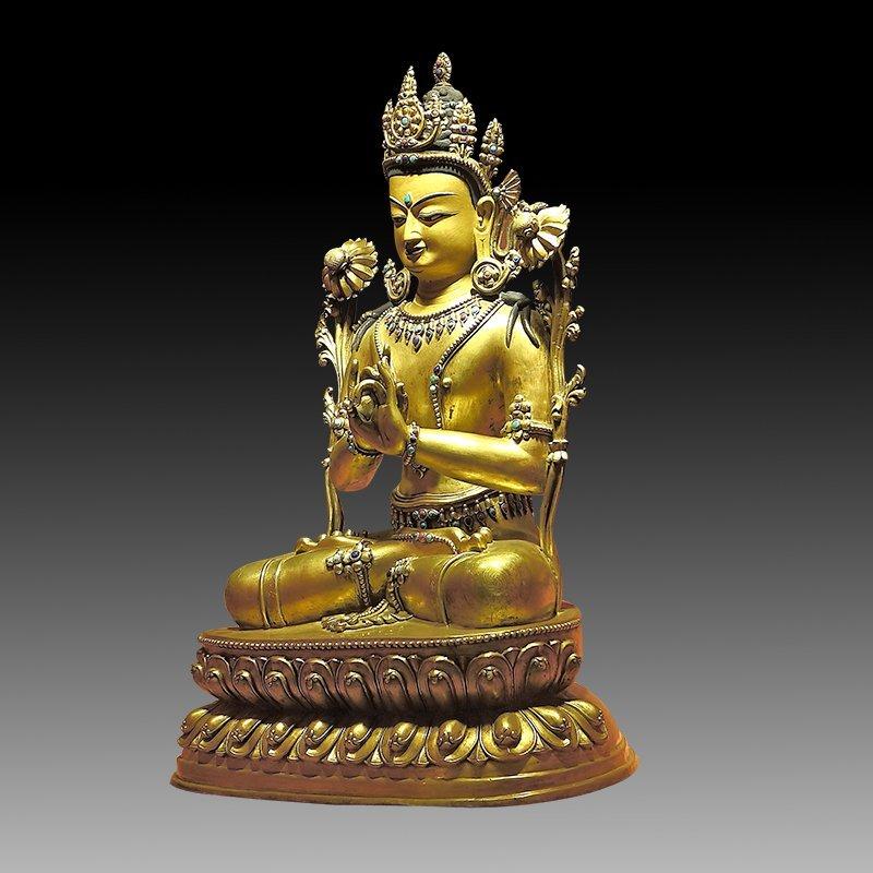 Large Chinese Qing Dynasty Gilt Bronze Figure of Buddha - 2