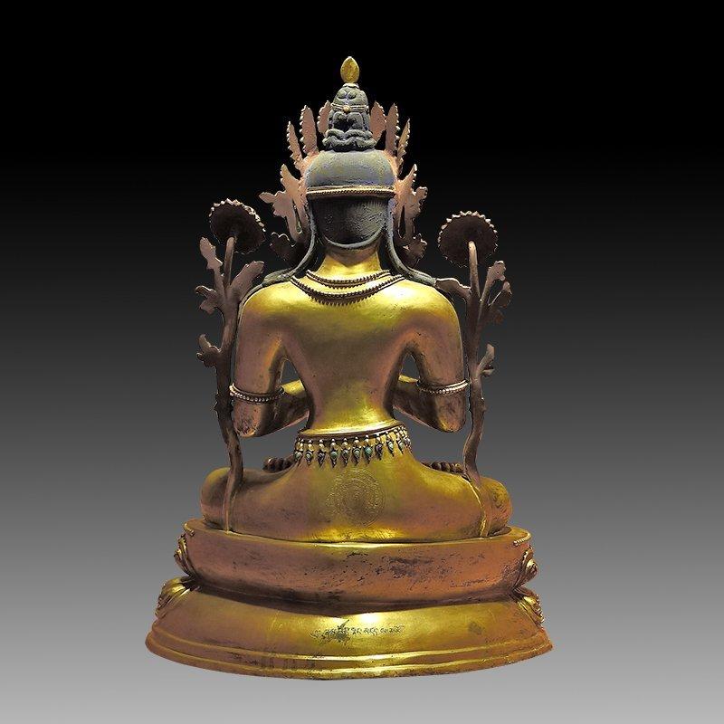 Large Chinese Qing Dynasty Gilt Bronze Figure of Buddha - 4