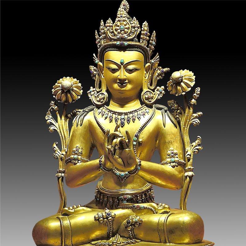 Large Chinese Qing Dynasty Gilt Bronze Figure of Buddha - 5
