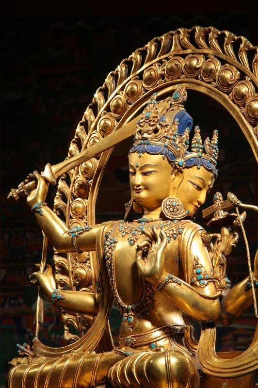 Large Chinese Gilt Bronze Figure of Buddha - 4