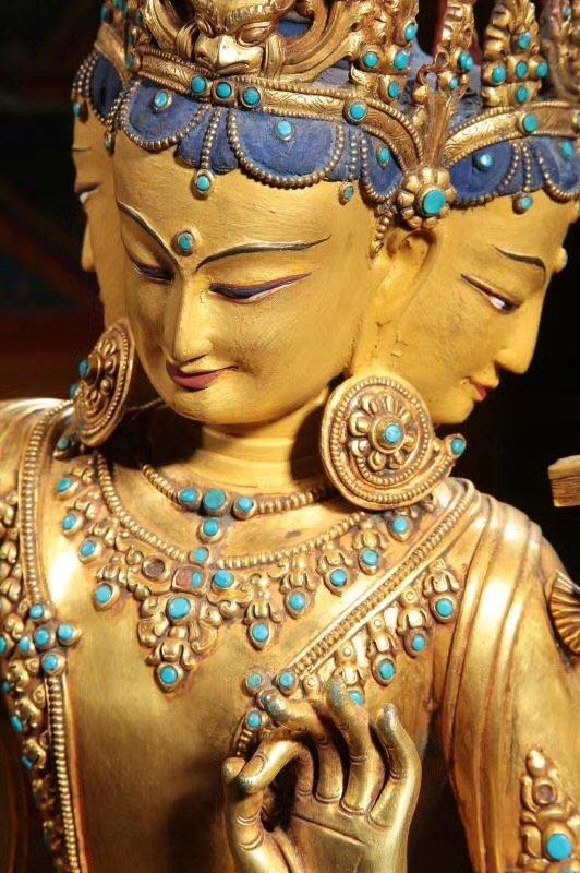 Large Chinese Gilt Bronze Figure of Buddha - 5