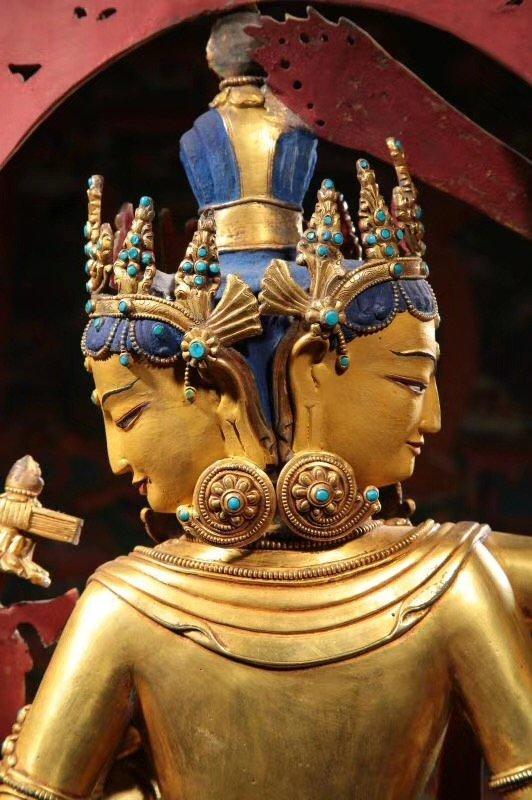 Large Chinese Gilt Bronze Figure of Buddha - 6