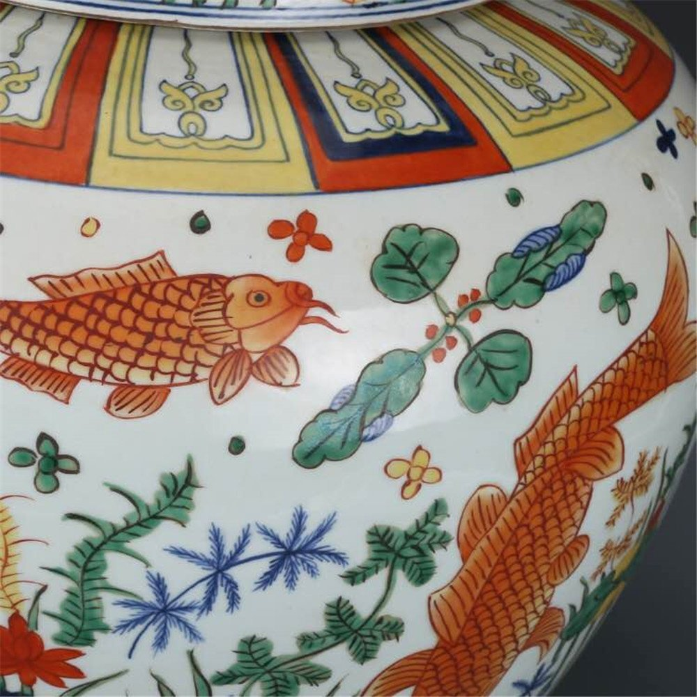 Pair of Large Chinese Wucai Porcelain Ginger Jars - 4