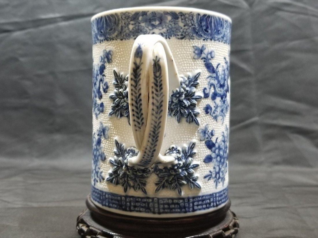 An excellent Chinese export B/W porcelain cup
