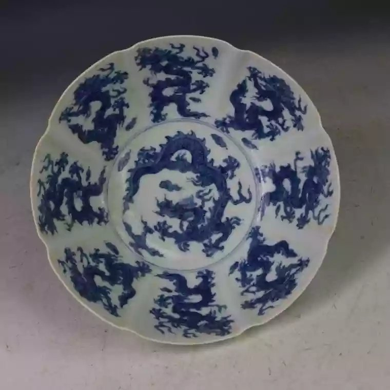 A B/W Chinese porcelain bowl