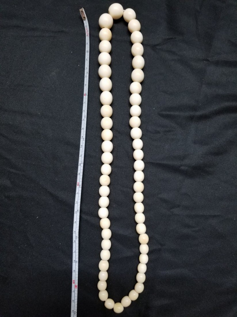 Large ivory color bead