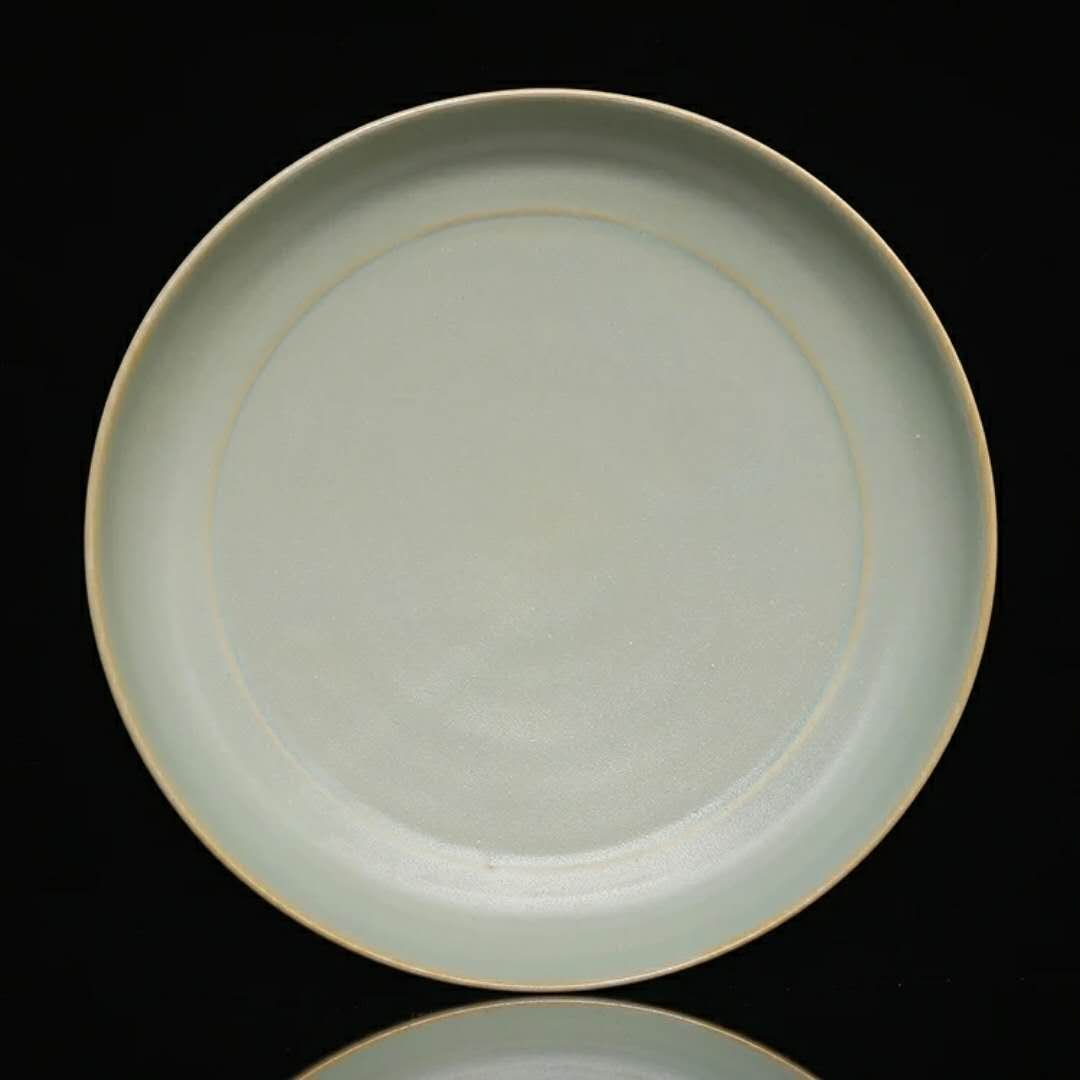 A song dynasty style Chinese porcelain plate